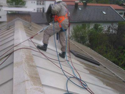 Dachreinigung durch Hochdruckwasserstrahlen 500Bar