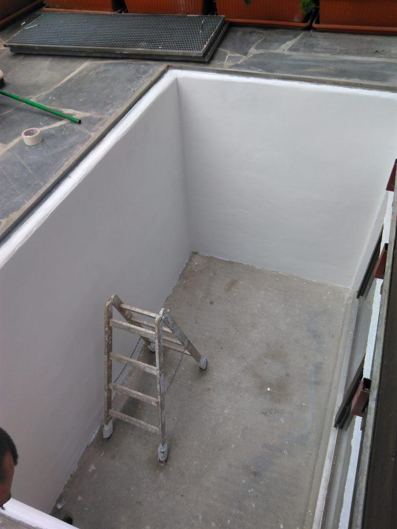 Kellerschachtsanierung und Malern mit Wetterfesten Fassadenfarbe.